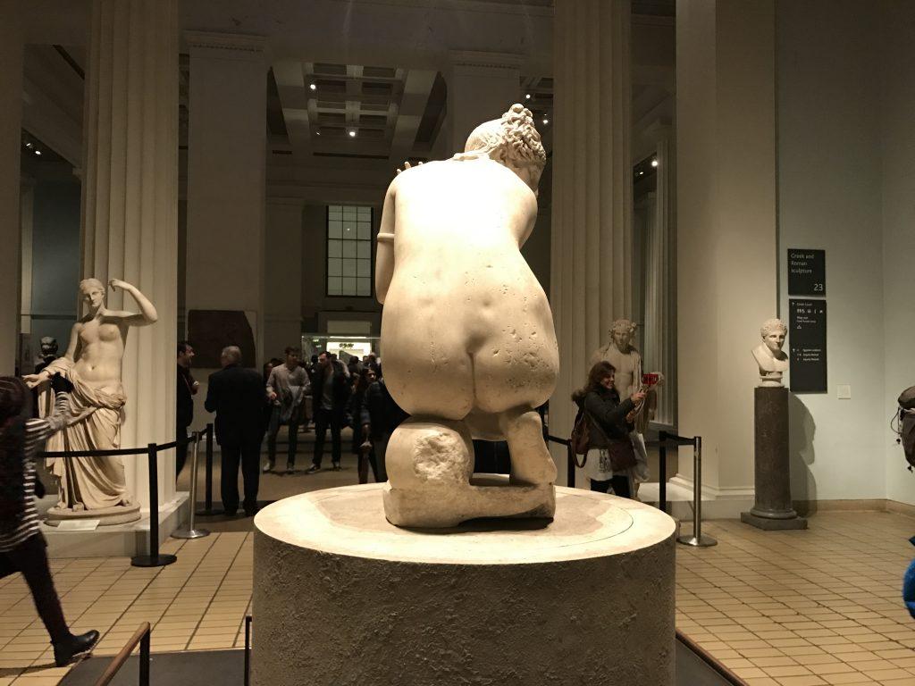 裸婦像のお尻
