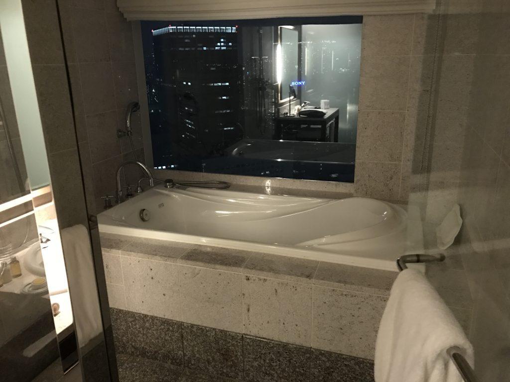 ストリングス バスルーム